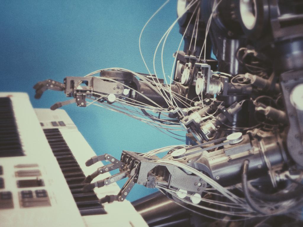 Auch Roboter werden programmiert